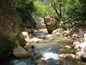 Flussbettwanderung – Neda