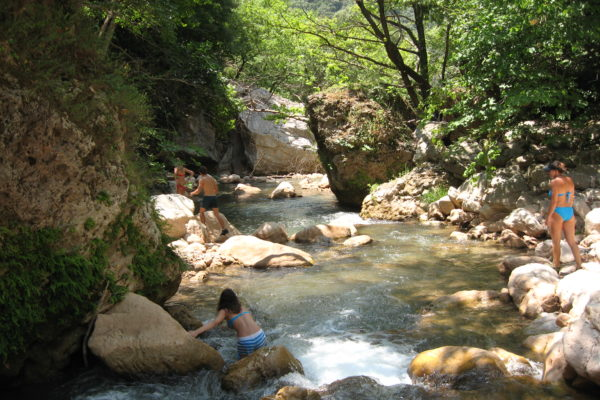 River trekking –  Neda